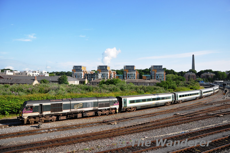 After spending about 50 minutes blocked at Islandbridge Jct, 230 finally has the road to Inchicore and eases the De-Dietrich vehicles the final 1 and a half miles on their journey from Belfast to Inchicore. Sat 02.07.11