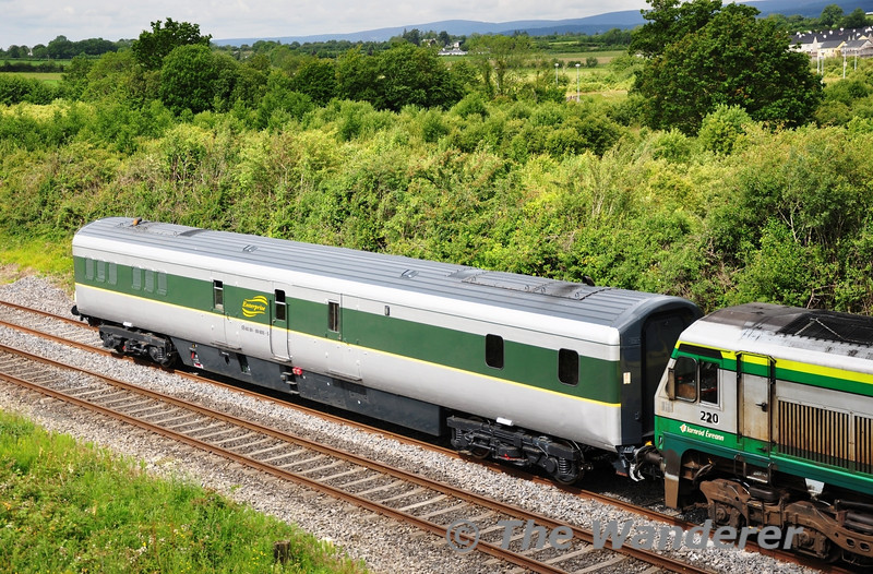 The former 7605, now renumbered to 89605 passes Portlaoise while on a turning trip from Inchicore to Inchicore via Limerick Jct. Fri 01.07.11