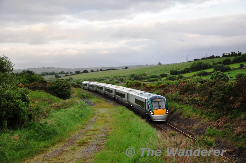 22032 is seen near Ballybrack between Killarney and Farranfore with the 1705 Heuston - Tralee. Thurs 26.05.11