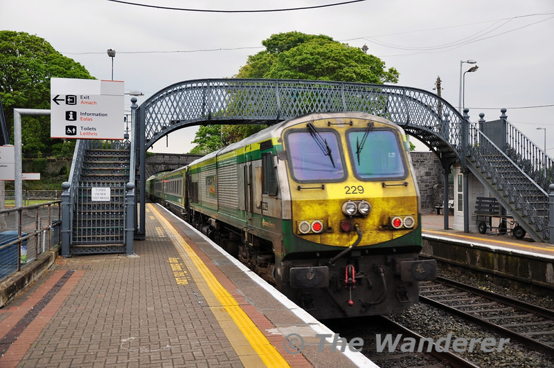229 brings up the rear of the 1730 Cork - Heuston as it departs Thurles. Sun 01.05.11