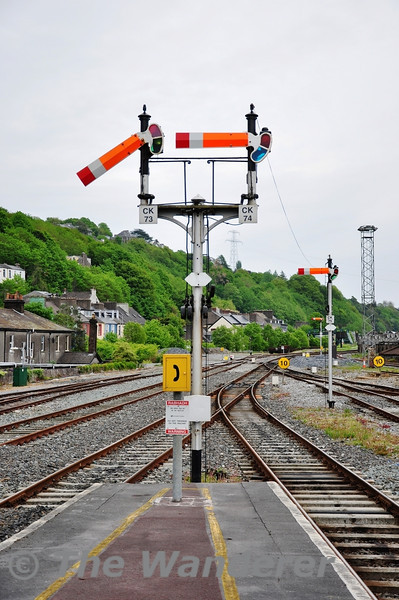 Cork still retains semaphore signals at the east end of the station layout. Sun 01.05.11