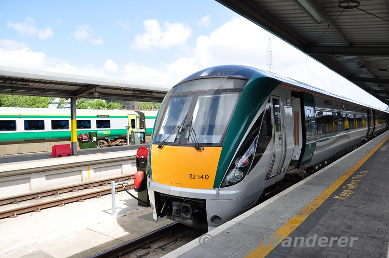 22040 waits to depart Heuston Station with the 1325 to Limerick. Sun 29.05.11