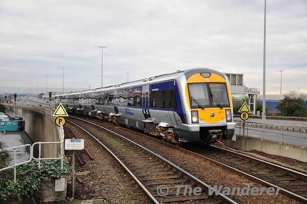 3015 runs empty through Yorkgate Station. Mon 21.11.11