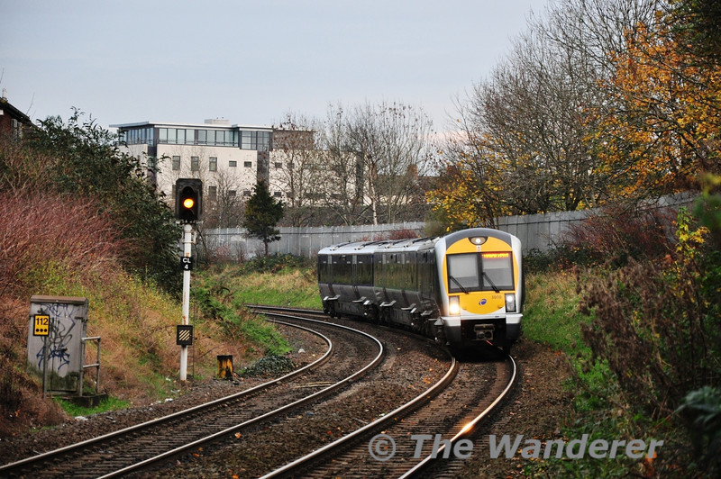 3010 arrives at Botanic  while working the 1457 Bangor - Portadown. Mon 21.11.11