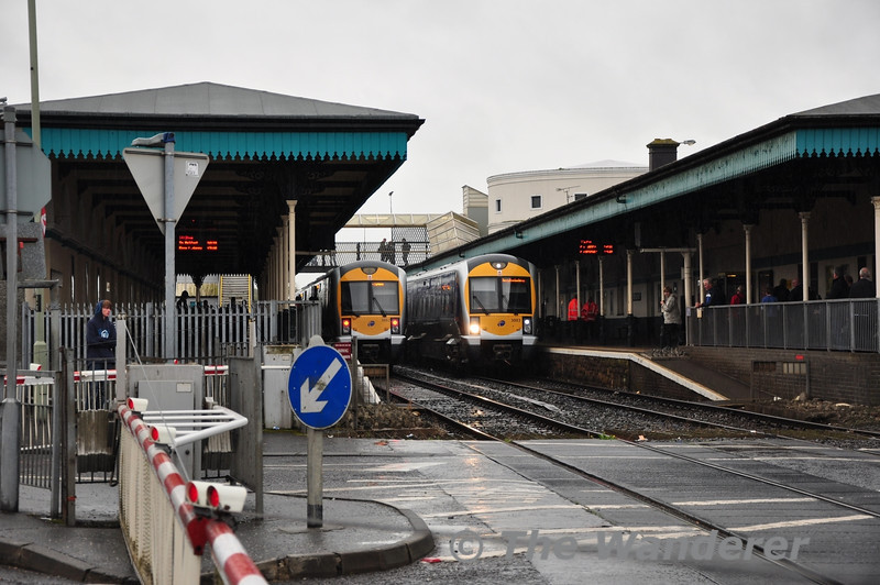 3002 and 3003 cross each other at Coleraine. Sun 25.09.11