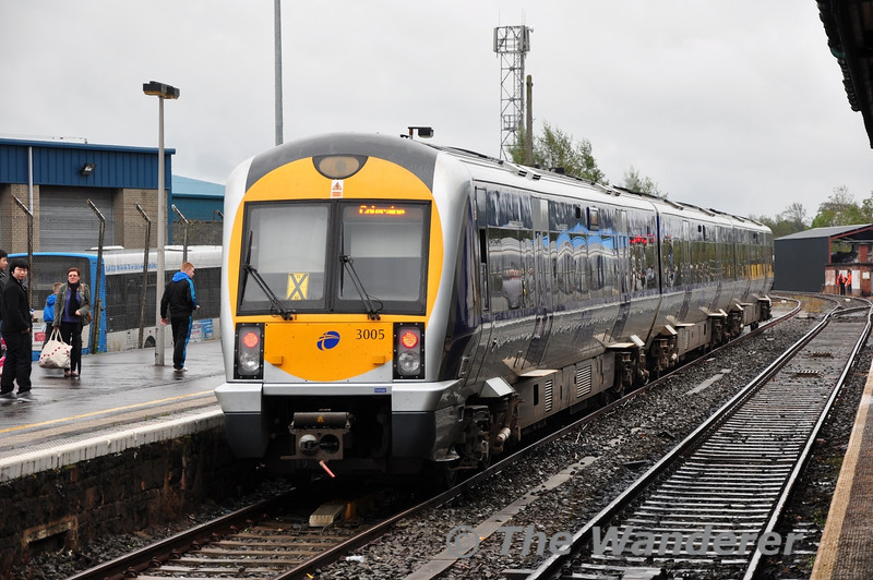 3005 at Coleraine with the 1350 from Portrush. Sun 25.09.11