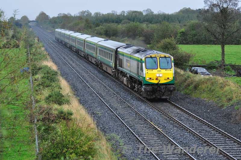 The 1100 Heuston - Cork passes Clonkeen with 221 in charge. Fri 30.09.11