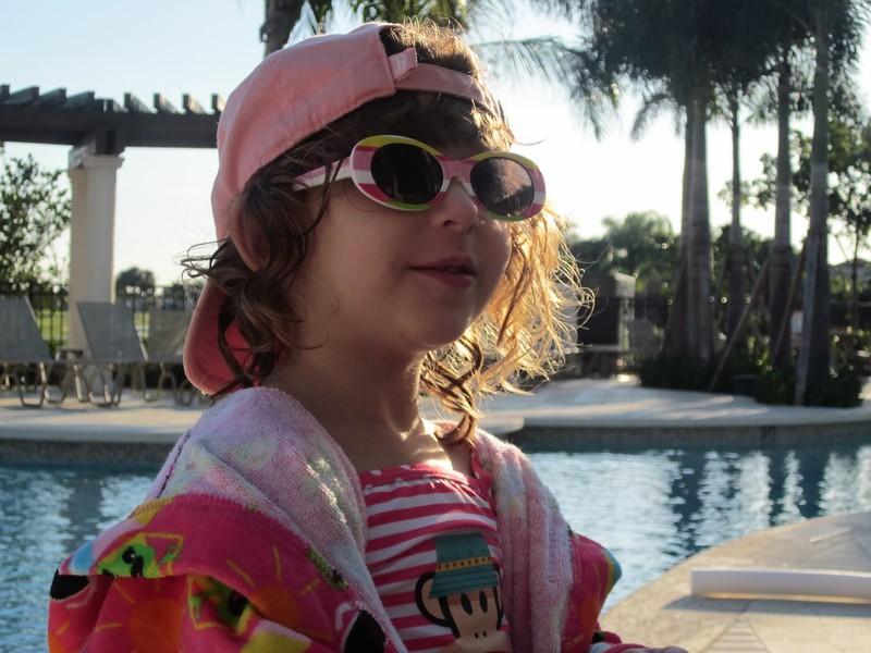 02 Chloe & Sophie Visit Florida