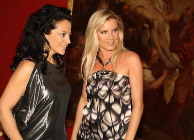 s Leonou Machálkovou