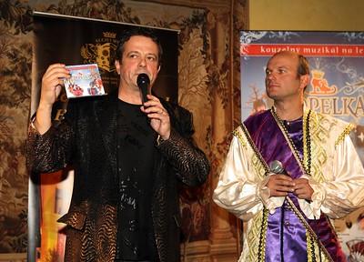 Pan režisér představuje nové CD.