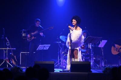 2011-11-08 Povazska Bystrica - Bile Vanoce Lucie Bila