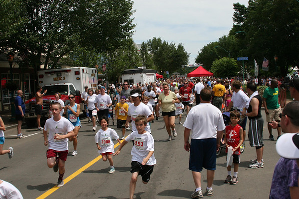 2011 - Gallery 2 (1 Mile Fun Run)