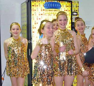20110303spotlightdance1
