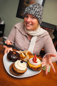 Rachel with cupcakes from Sugar Mountain Bake Shop