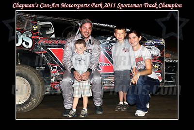 sportsman track champ family photo w border