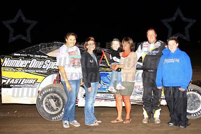 mod track champ family photo