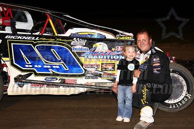 mod track champ family photo - 2