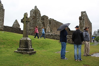 A Travel Day (with an excursion to Clonmacnoise)
