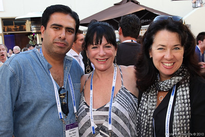 Manoj Pamneja (Distant Frontiers), Valerie Percival (IBM Australia), Donna Kessler (Gold Coast CEC)
