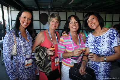 Yolansa Cardile (TRET), Debra Grandidier (Flight Centre Group Travel), Geraldine Hutchison (Air New Zealand), Leanne Constantino (The Forum Group)