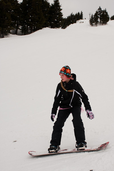 Jylia heads downhill in the cold mountain air.