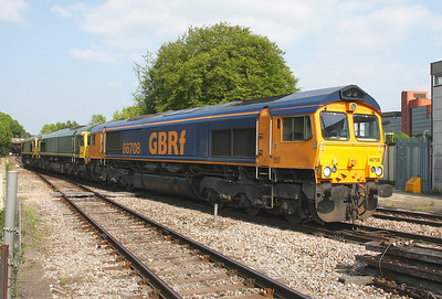 66708 Basingstoke 28/04/11 0D74 Dagenham to Eastleigh with 66574 and 66573