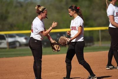 Jordyn Arrowood (left) and Rachel Jablonski (right) encourage each other.