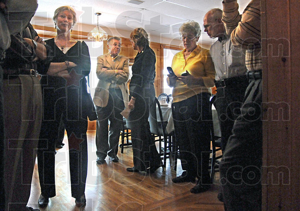 CHIP gathering: Diners arrive at Pino's Monday evening for the Coronary Health Improvement Project function.
