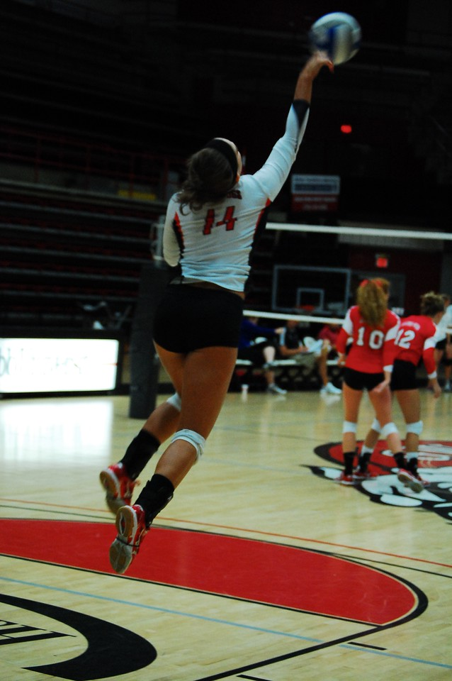 Women's Volleyball faces off against Wofford