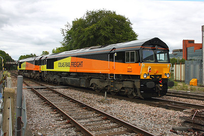 66847 Basingstoke 30/08/11 0Z48 Eastleigh to Rugby led by 66848