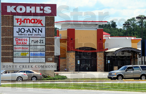 Tribune-Star/Jim Avelis<br /> New eatery: Plans are in the works for a new business to take over the former Boston's Pizza in the Honey Creek Commons.