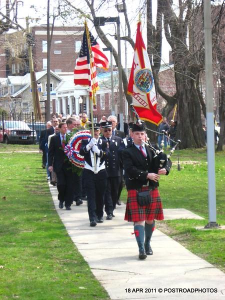 20110418_Bridgeport_CT_L'Ambiance_Plaza_Memorial_2011-02