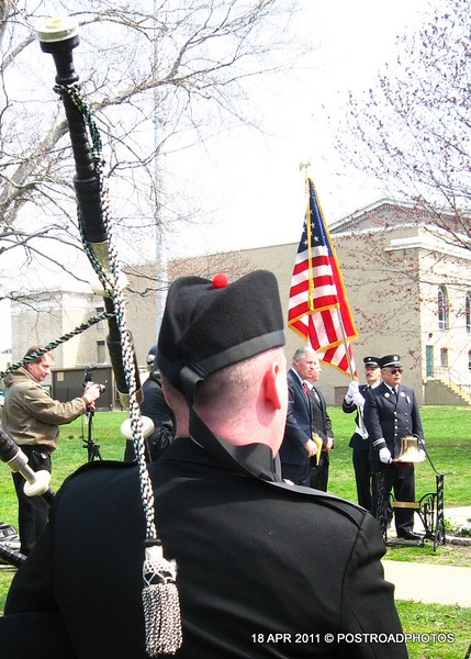 20110418_Bridgeport_CT_L'Ambiance_Plaza_Memorial_2011-09