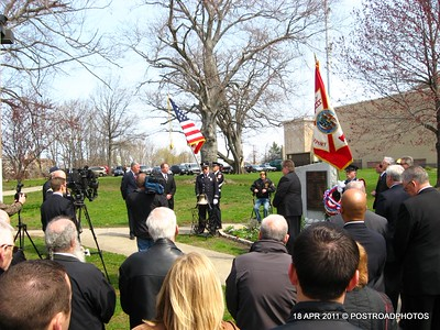 20110418_Bridgeport_CT_L'Ambiance_Plaza_Memorial_2011-12