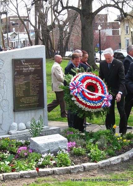 20110418_Bridgeport_CT_L'Ambiance_Plaza_Memorial_2011-05