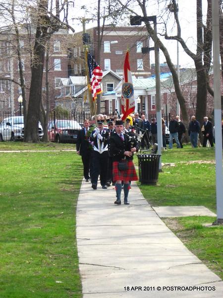 20110418_Bridgeport_CT_L'Ambiance_Plaza_Memorial_2011-01