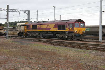66221  arriving on engineers at Mossend