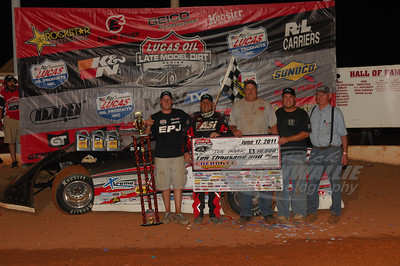Steve Shaver and crew in Victory Lane @ Cherokee Speedway
