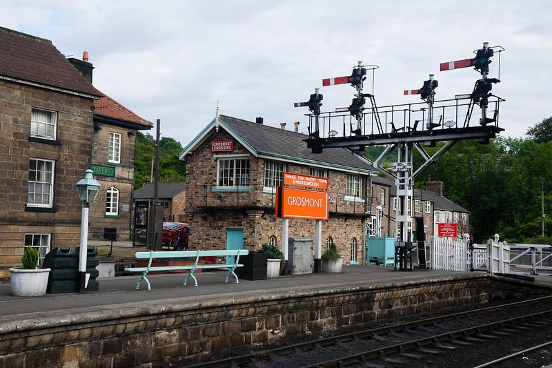 Grosmont platform