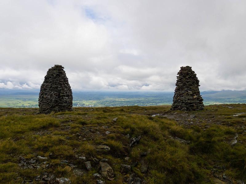 Mounds atop Nine Standards Rigg