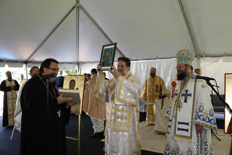 Consecration Holy Trinity (276).jpg