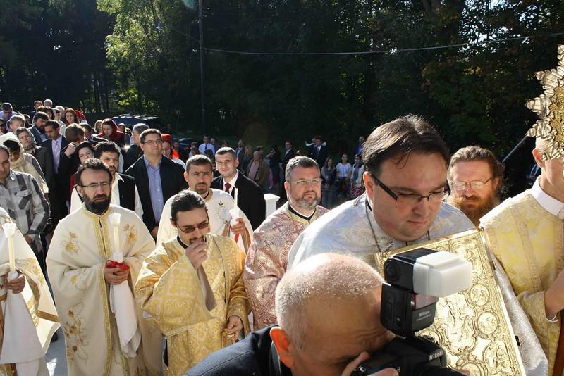 Consecration Holy Trinity (184).jpg