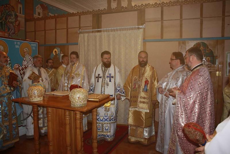 Consecration Holy Trinity (163).jpg