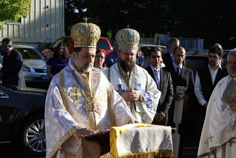 Consecration Holy Trinity (174).jpg