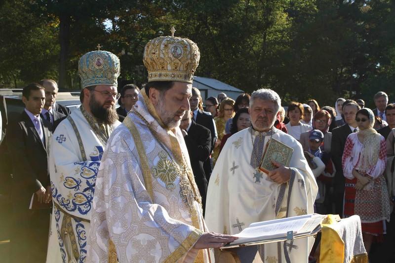 Consecration Holy Trinity (176).jpg