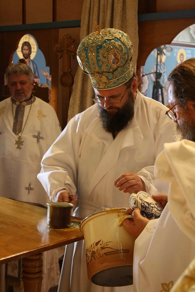 Consecration Holy Trinity (212).jpg