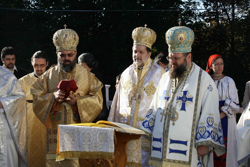 Consecration Holy Trinity (167).jpg