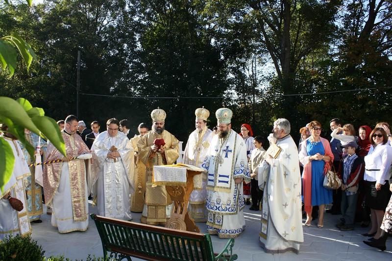 Consecration Holy Trinity (166).jpg