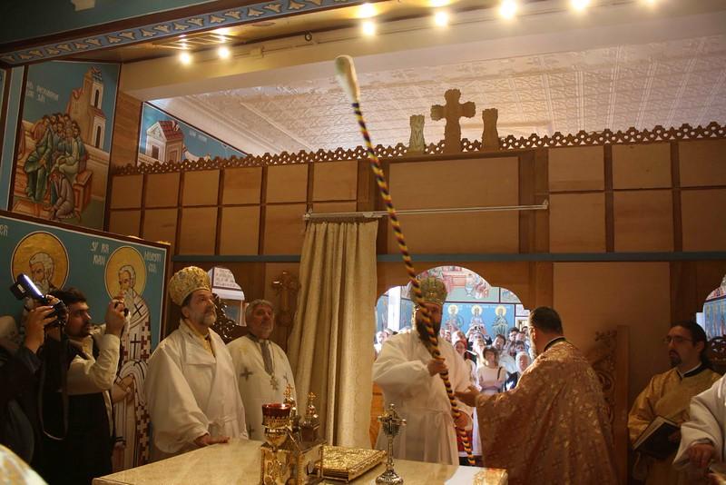 Consecration Holy Trinity (224).jpg