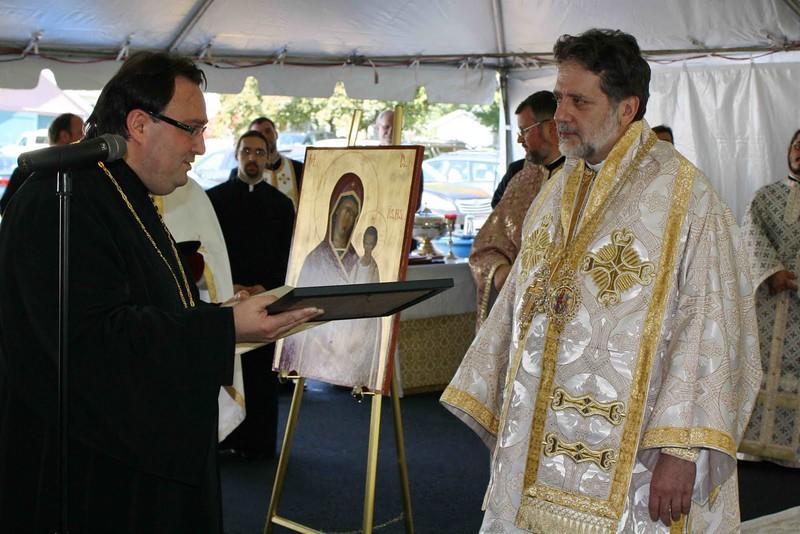 Consecration Holy Trinity (274).jpg
